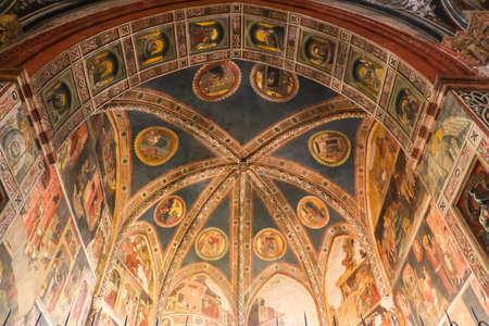 Parma, Italy - Circa September 2018. Interiors of catholic church (Cattedrale di Parma). Редакционное