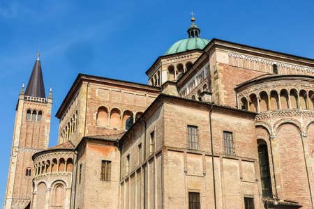Parma, Italy - Circa September 2018. Beautiful architecture of Parma Cathedral (Cattedrale di Parma) in sunny day. Редакционное