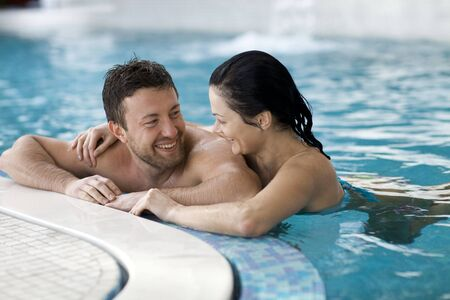 thalasso: Couple relaxing   of spa center