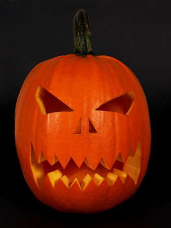 samhain: Scary m�scara de Halloween hecha de una calabaza de color naranja