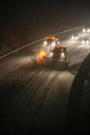 snow removal on the highway to hanover 版權商用圖片