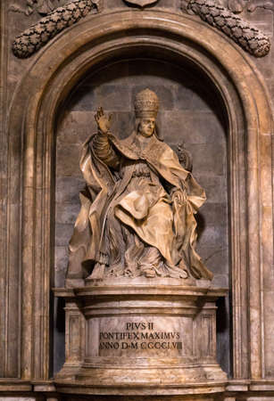pius: Statue of Pope Pius II in Siena, Italy Stock Photo