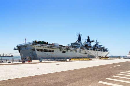 bulwark: Royal Navy Military ship the HMS Bulwark in the port of Lisbon, Portugal, in August 2013