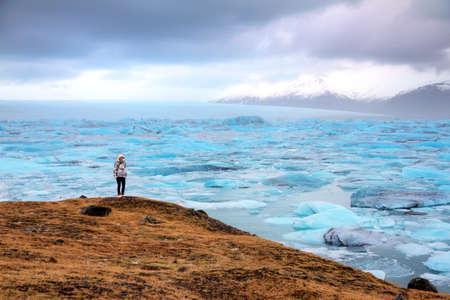 jokulsarlon: Natural winter beauty at lake Jokulsarlon in Iceland, a very popular tourist destination