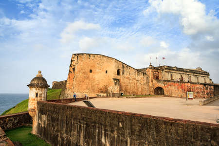 parapet wall: Beautiful view of the large outer wall with sentry box of fort San Cristobal in San Juan, Puerto Rico