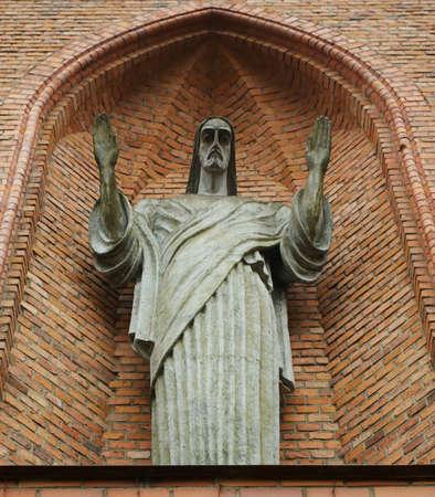 statue of Jesus on facade of Holy Virgin Mary Scapular Church in Druskininkai, Lithuania. The first brick church in Druskininkai was completed in the 1844. Reklamní fotografie