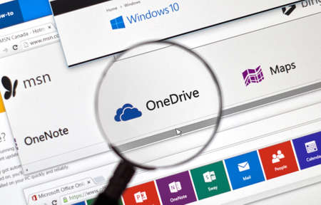 msn: MONTREAL, CANADA - FEBRUARY, 2016 - Microsoft One Note on the web under magnifying glass.
