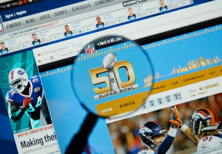 super bowl: MONTREAL, CANADA - FEBRUARY 15, 2016 - Super Bowl 50 web page on NFL site. Super Bowl 50 is an American football game to determine the champion of the National Football League for the 2015 season.