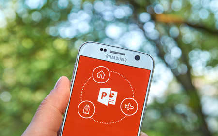 microsoft: MONTREAL, CANADA - MAY 23, 2016 - Microsoft Office PowerPoint application on Samsung S7.