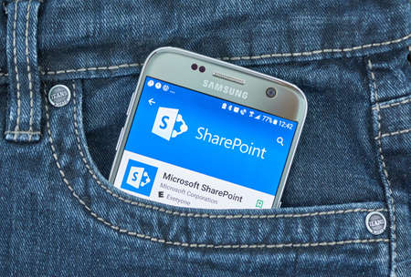 MONTREAL, CANADA - SEPTEMBER 8, 2018: Microsoft SharePoint mobile app. Microsoft SharePoint is a browser-based collaboration and document management platform from Microsoft Stok Fotoğraf - 109527537
