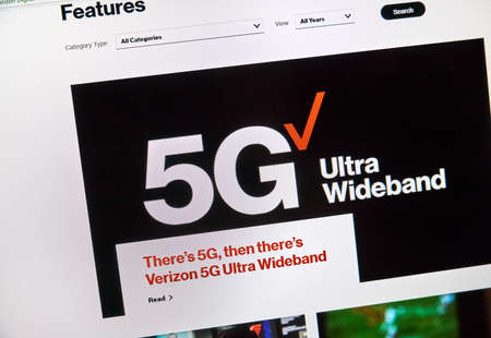 MONTREAL, CANADA - SEPTEMBER 13, 2018: Verizon 5g official web page. Verizon Wireless is an American telecommunications company which offers wireless products and services Sajtókép
