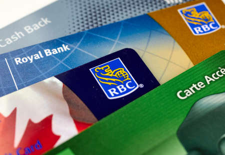 MONTREAL, CANADA - SEPTEMBER 21, 2018: Royal Bank of Canada plastic payment cards. The Royal Bank of Canada is a Canadian largest bank in Canada 報道画像