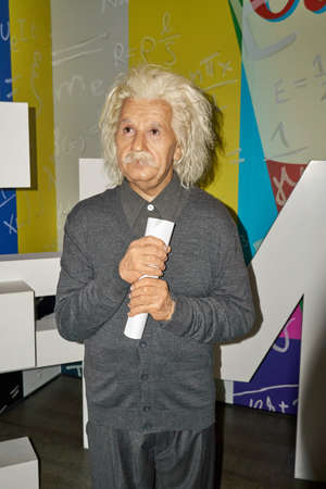 MONTREAL, CANADA - SEPTEMBER 23, 2018: Albert Einstein, famous physicist who who developed the theory of relativity. Wax museum Grevin in Montreal, Quebec, Canada Imagens - 114451188