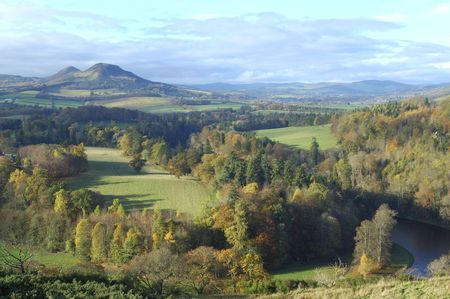 walter scott: landscape view of Eildon Hills from Scotts View with river Tweed in autumn Stock Photo