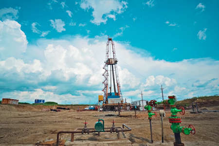 Drilling rig for oil well drilling. Equipment for drilling an oil and gas well.