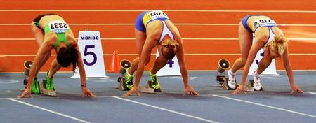 Melnitschenko Hanna, Dobrynska Natallia - Olympiasieger in Peking und Mohnuk Anastasia auf der Spur Ukainian Field Championships am 16. Februar 2012 in Sumy, Ukraine
