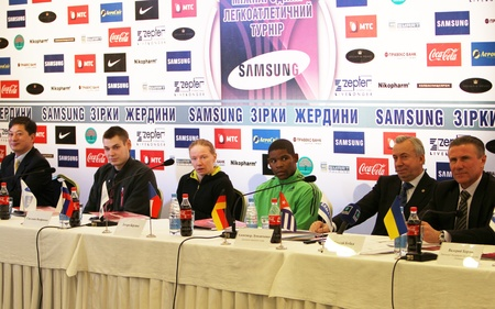 DONETSK, UKRAINE - FEB 10      L-R   Park Ung Chul, Wojciechowski Pawel, Feofanova Svetlana, Borges L�zaro, Aleksandr Lukianchenko, Sergey Bubka on the press conference before Samsung Pole Vault Stars meetingon February 10, 2012 in Donetsk, Ukraine  Stock Photo - 12848701