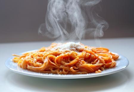 Italienische Spaghetti Dämpfen mit Parmesan.