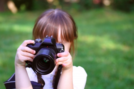 photography session: Girl taking pictures