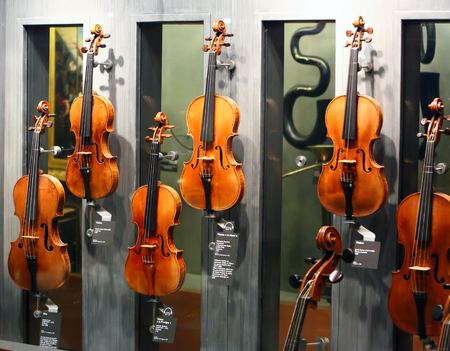 musique: The most famous violins made by Andrea Amati, Nicolo Amati, Antonio Stradivari, Giuseppe Guarneri, Jacob Stalner in MUSEUM CITÉ DE LA  MUSIQUE on jul.02,2014 in Paris, France