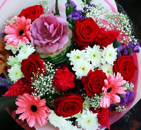 Populaire Magnifique Bouquet De Fleurs Dans La Boutique Banque D'Images Et  DB24
