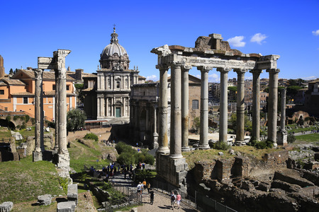 View of the Roman Forum with the Temple of Saturn, Rome, Italy Standard-Bild