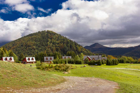 Wooden houses napolane in the mountains of Slovakia Tatra. High quality photo Banque d'images