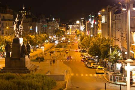 Praag Wenceslasplein (Vaclavske) in de nacht