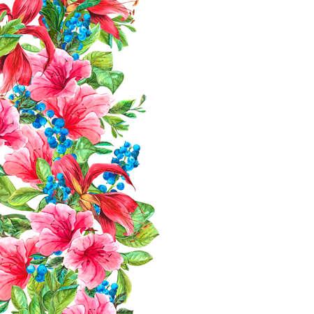 Aquarel Exotische Vintage kaart met blauwe bessen, roze tropische bloemen en bladeren, Aquarel Illustratie. Stockfoto