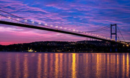 sunrise at the bosporus bridge  免版税图像
