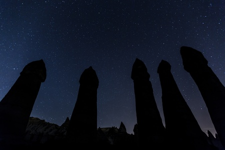 cave house under the stars at cappadocia Turkey 免版税图像