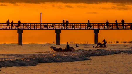 플로리다, 미국 Estero 섬에 위치한 포트 마이어스 비치 기슭에 설정하는 아름 다운 태양