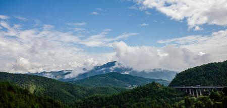 Gaoligong Mountains with highway 版權商用圖片