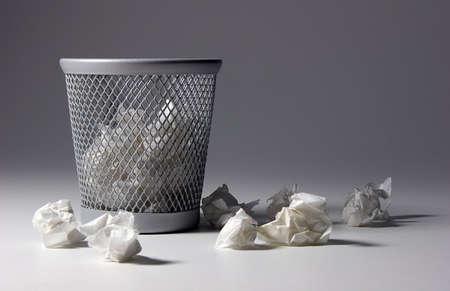 waste paper: Papelera  Foto de archivo