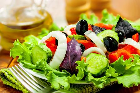 alimentacion sana: Ensalada de verduras, comida sana
