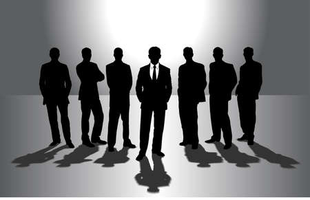 Gruppe von Geschäftsleuten gegen die Sonne