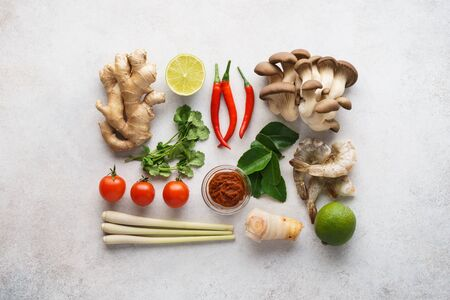 Set of main ingredients for Tom Yum - spicy Thai soup. Flat lay. Imagens