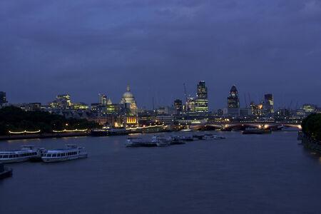 night view london photo
