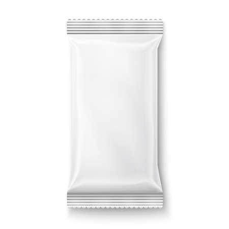 plastic: Witte natte doekjes pakket geïsoleerd op een witte achtergrond. Klaar voor uw ontwerp. Inzameling van verpakkingen.