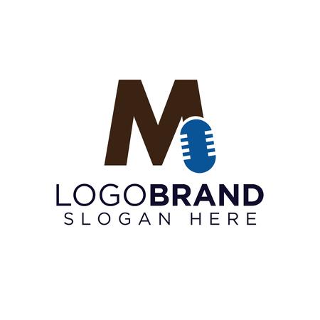 M Letter With Microphone Logo vector Ilustração