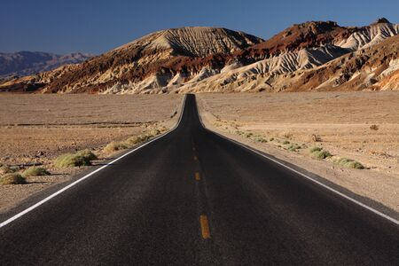 desert highway Banco de Imagens