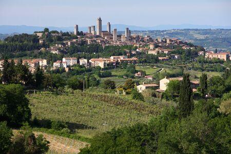 hilltop village Italy 版權商用圖片
