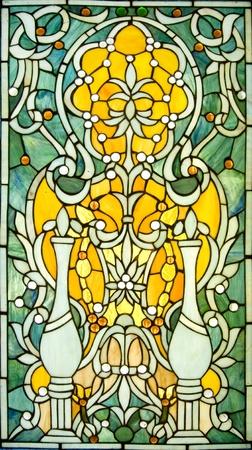 バックライト付きビクトリア朝様式のステンド グラス窓