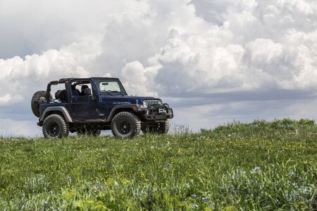 Castle Dale, Utah - June 30, 2015: Jeep Wrangler Rubicon on a back country four wheel drive trail along Utah's Skyline Drive. 報道画像