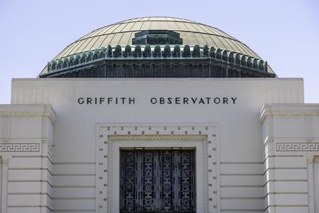 Observatorio histórico Griffith de Griffith Park en Los Ángeles, California, Estados Unidos.