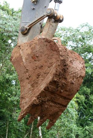 maquinaria pesada: Un gigante pala en maquinaria pesada. Est� cubierta por el barro  Foto de archivo