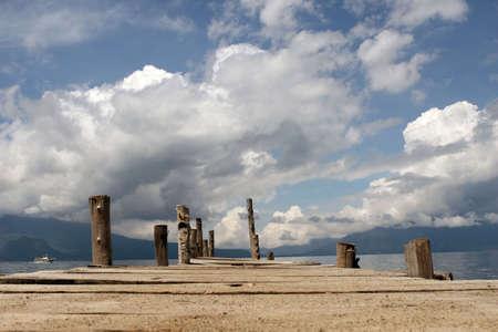 Het dock op Lake Atitlan