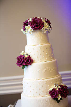 cake with icing: A beautiful wedding cake Stock Photo