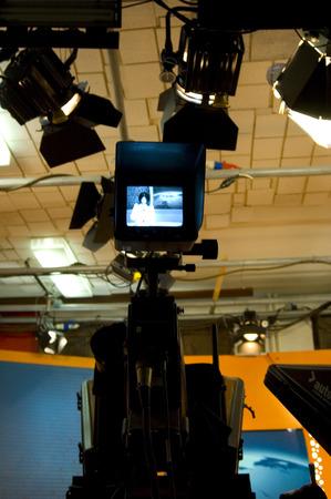 journal t�l�vis�: Studio de t�l�vision pour la diffusion de nouvelles de production Banque d'images