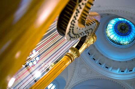 Harp strings close up - Classic music concert in synagogue Banque d'images